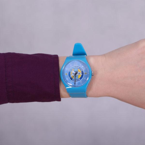 Часы наручные цветные